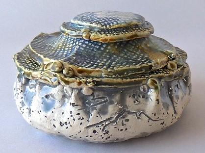 Small jar with blue glaze & Lid