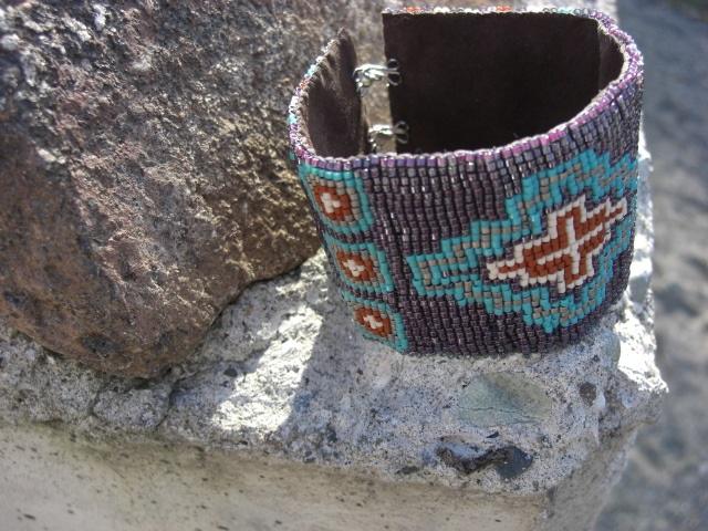 Las Cruces - Loom Bead Bracelet Pattern with a Southwestern Cross Detail.