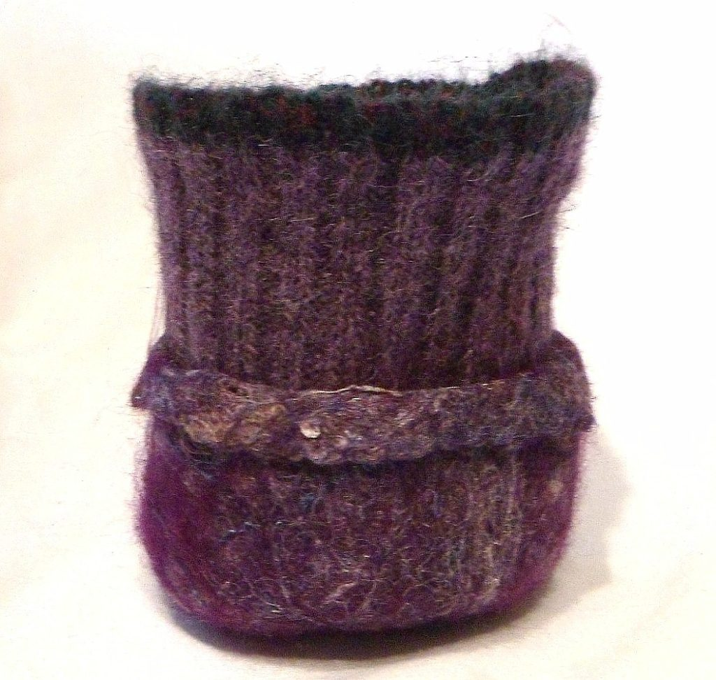 "Sweater cuff tiny bowl, rim open - approx 3.5"" base"